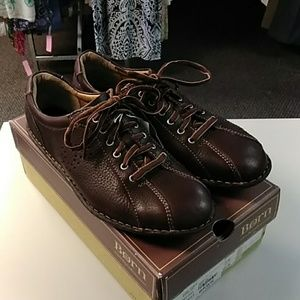 """Born brown leather """"Prowl"""" shoes 10 NIB"""